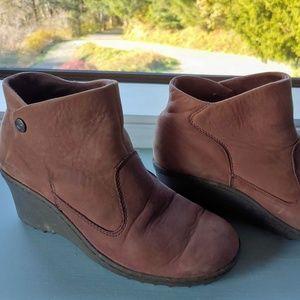 Keen Akita Brown Boots Wedge Heel